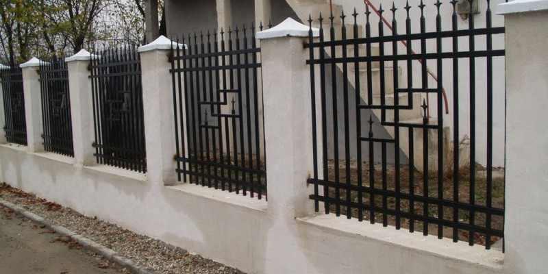 Garduri metalice for Modele de garduri pentru case